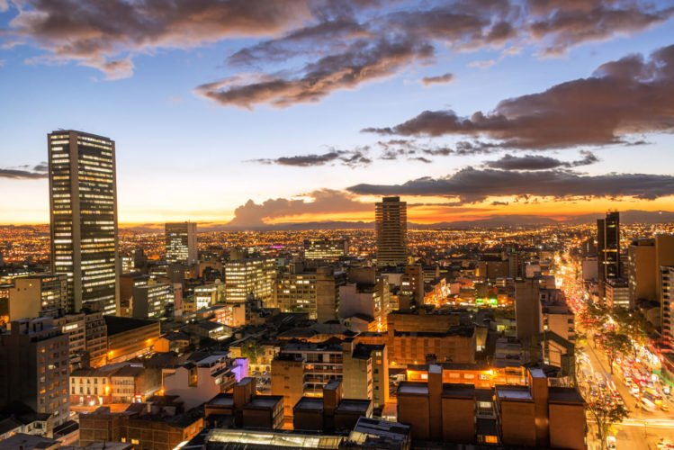 "Persuasive Practitioners and the Art of Simplification: The ""Bogotá Model"""